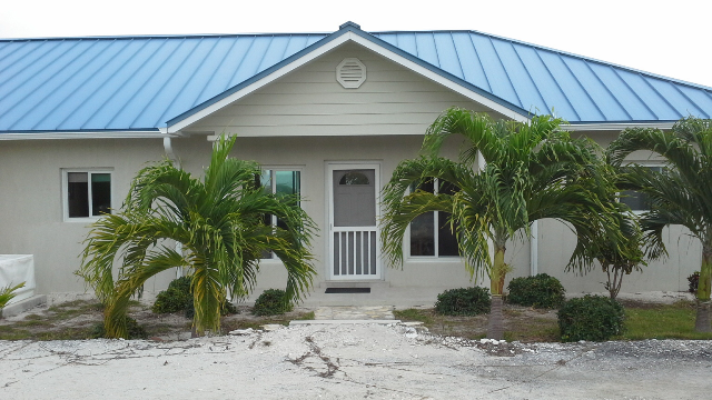 Maison unifamiliale pour l Vente à Beachfront house in Greenwood, Cat Island Cat Island, Bahamas