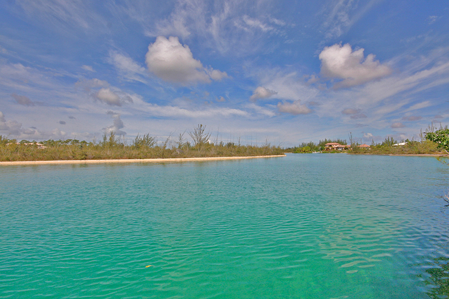 Land for Sale at Gorgeous Canalfront Lot in Upscale Cannon Bay! Cannon Bay, Grand Bahama, Bahamas