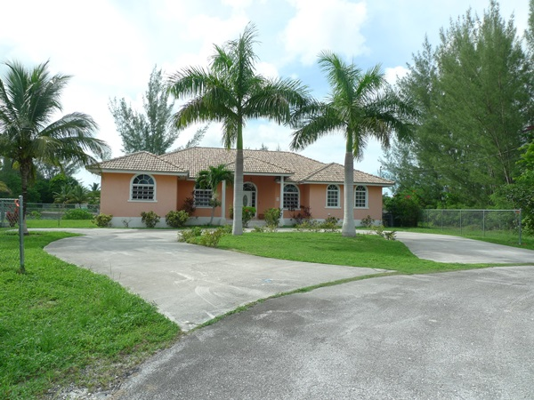 Single Family Home for Sale at Tranquil Waterfront Living Pine Bay, Grand Bahama, Bahamas