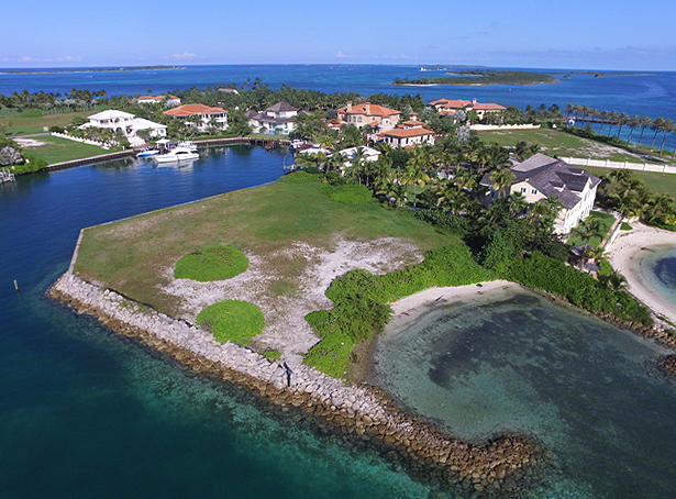 Terre / Lot de terrain pour l Vente à Peninsula Lot, Ocean Club Estates, Paradise Island Nassau New Providence And Vicinity