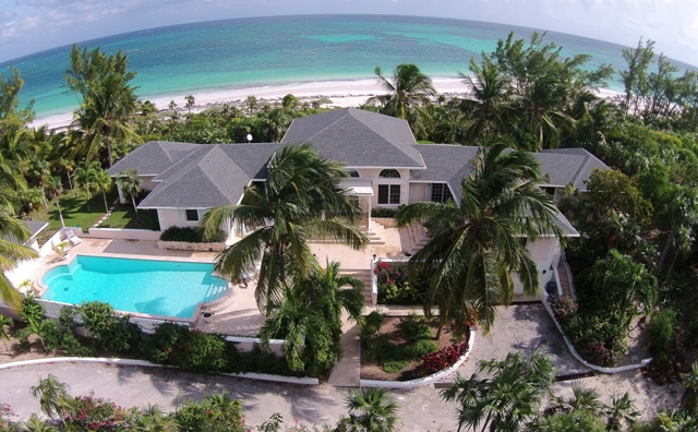 Maison unifamiliale pour l Vente à North Windermere Beachfront Home MLS 25274 Eleuthera, Bahamas