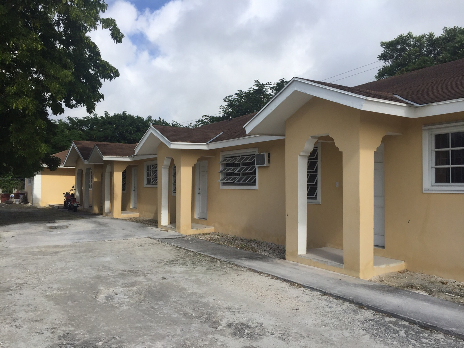 Single Family Home for Sale at 3 Bed House with 3 Apartments off Faith Avenue Carmichael Road, Nassau And Paradise Island, Bahamas