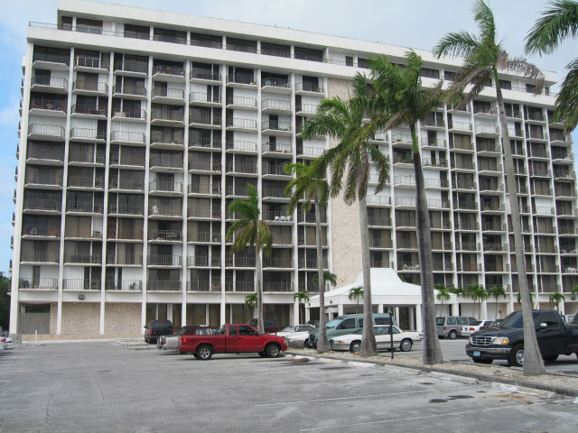 Co-op / Condo for Sale at Lovely Great Priced Lucayan Towers Condo Taino Beach, Grand Bahama, Bahamas