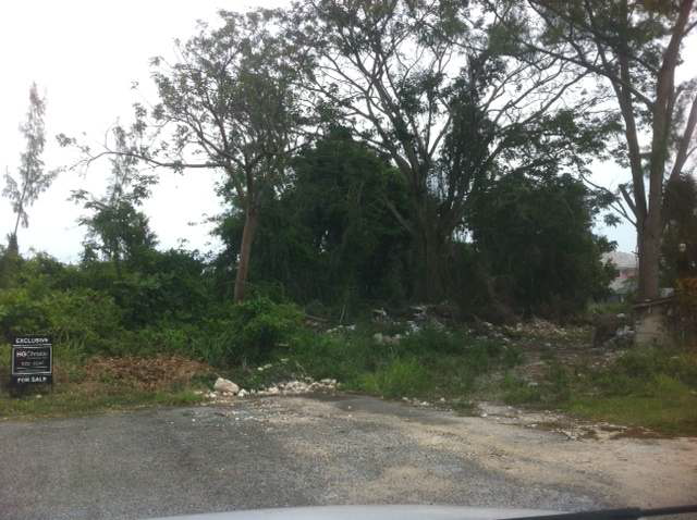 Land for Sale at Multi-family lot in the great family neighborhood of Leeward East Nassau And Paradise Island, Bahamas