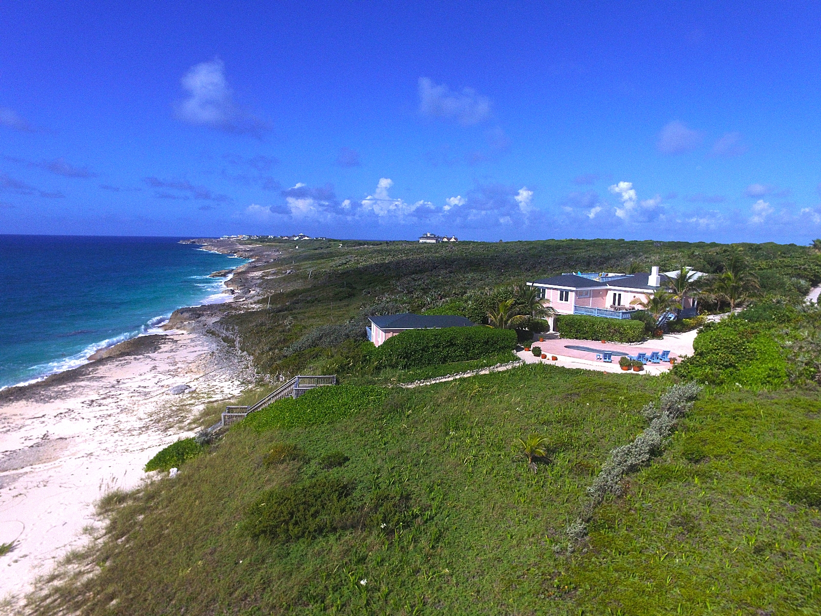 Eensgezinswoning voor Verkoop een t Walking Stick, a 2.2.Acre Atlantic Estate at The Abaco Club on Winding Bay MLS-27717 Abaco, Bahama Eilanden