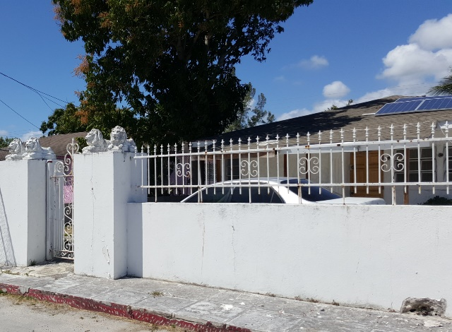 Single Family Home for Sale at 3 Unit Apartment Complex in South Beach South Beach Estates, Nassau And Paradise Island, Bahamas
