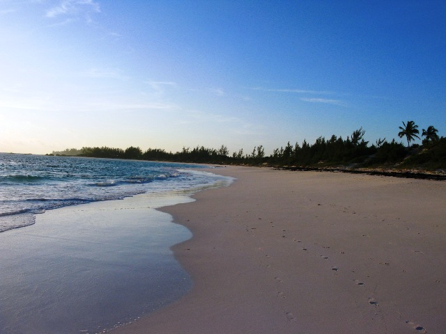 토지 / 대지 용 매매 에 Pink Sands Beach Acreage - Banks Road, Governor's Harbour Eleuthera, 바하마