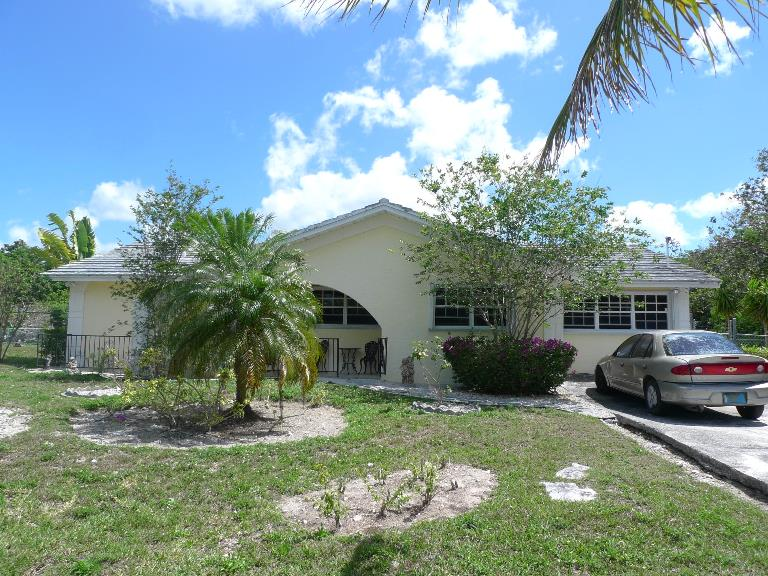 Single Family Home for Sale at Affordable Royal Bahamia Estates House Royal Bahamian Estates, Grand Bahama, Bahamas