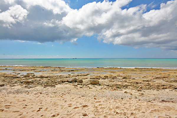 Land for Sale at 4.5 Acres of Beachfront in Developing area of Holmes Rock - MLS 26720 Holmes Rock, Freeport And Grand Bahama, Bahamas