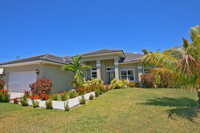 Single Family Home for Sale at Walk to the beach from this beautiful Fortune Point Home Fortune Point, Grand Bahama, Bahamas
