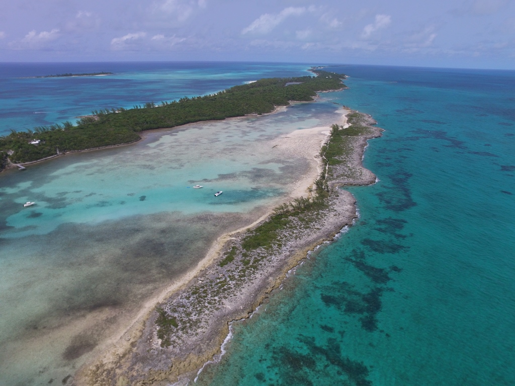 Isla privada por un Venta en Lower Harbour Cay Private Island MLS 27256 Bahamas
