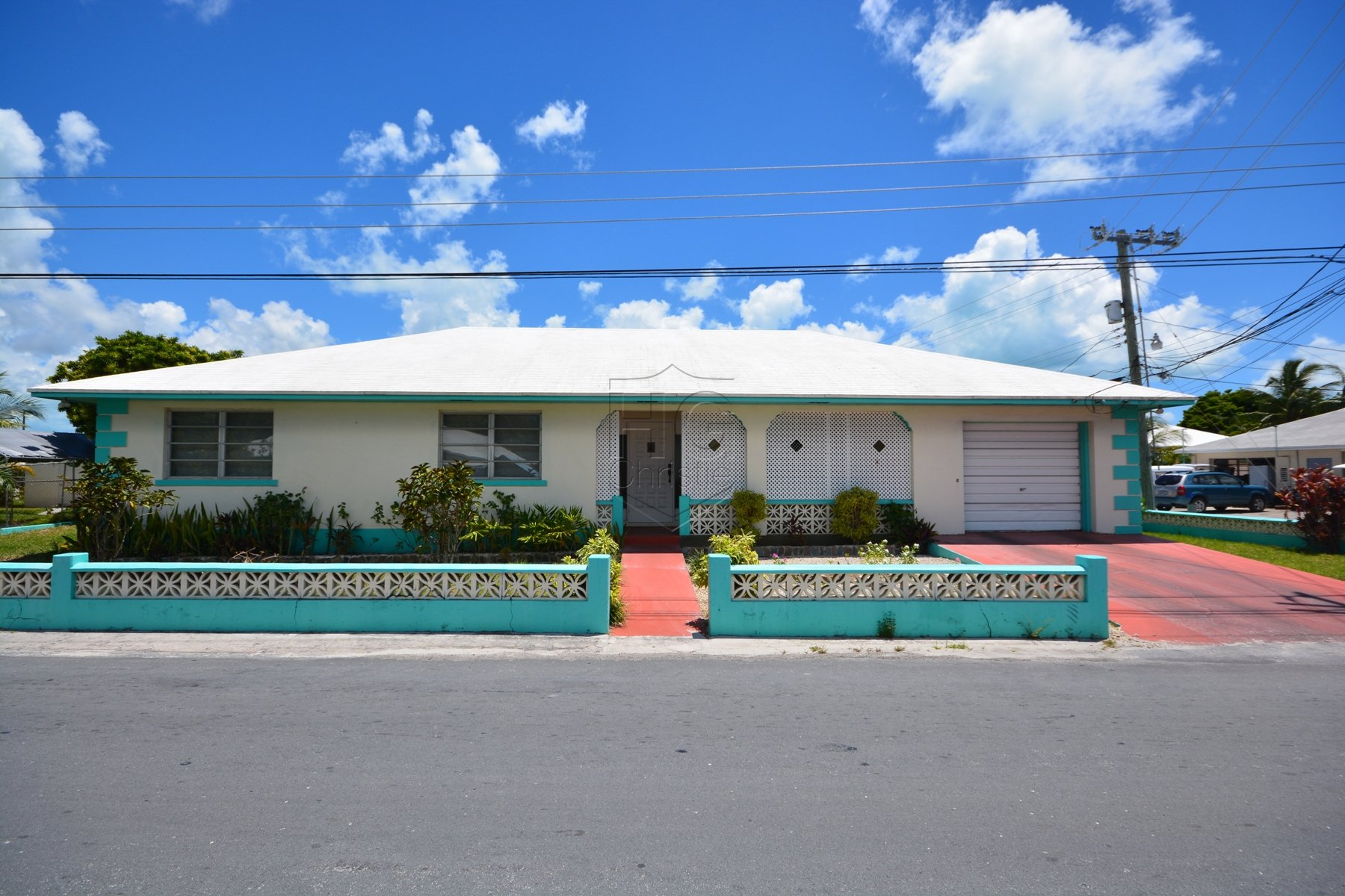 Single Family Home for Sale at Spanish Wells Family Home MLS 27465 Spanish Wells, Eleuthera, Bahamas