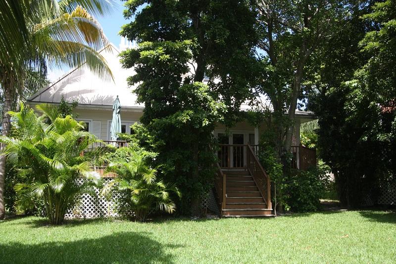Single Family Home for Sale at Unique Shoreline Home Shoreline, Lucaya, Grand Bahama Bahamas