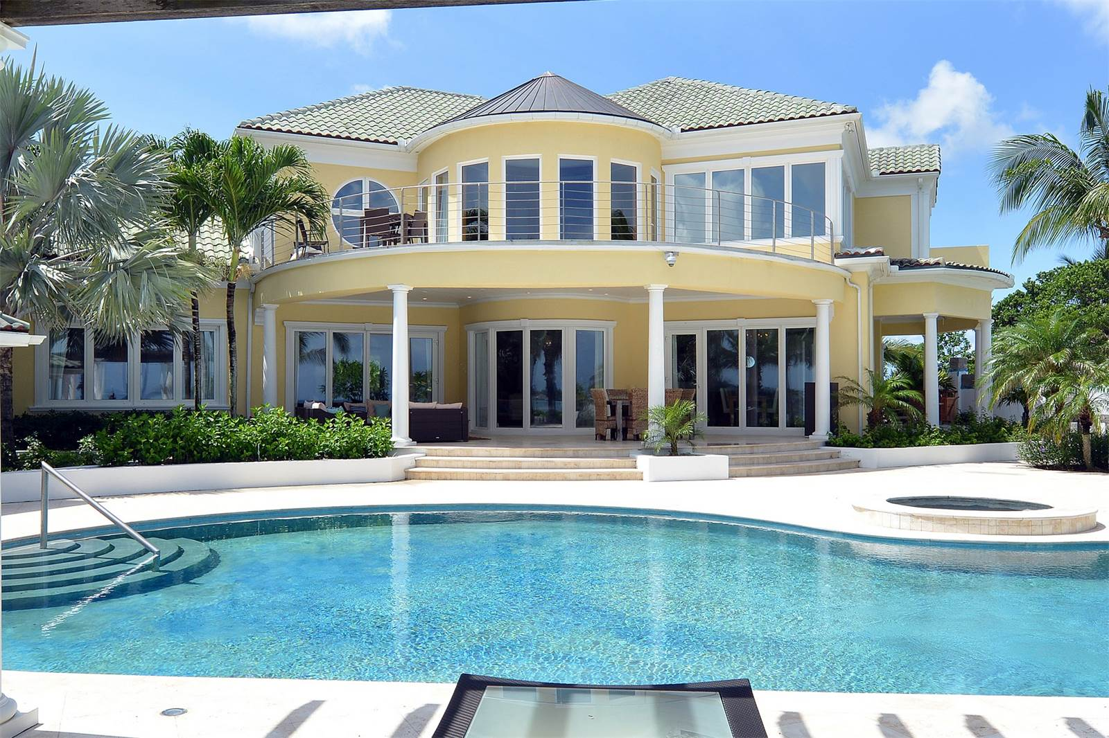 Single Family Home for Sale at Charming Beachfront Residence in Old Fort Bay Old Fort Bay, Nassau And Paradise Island, Bahamas