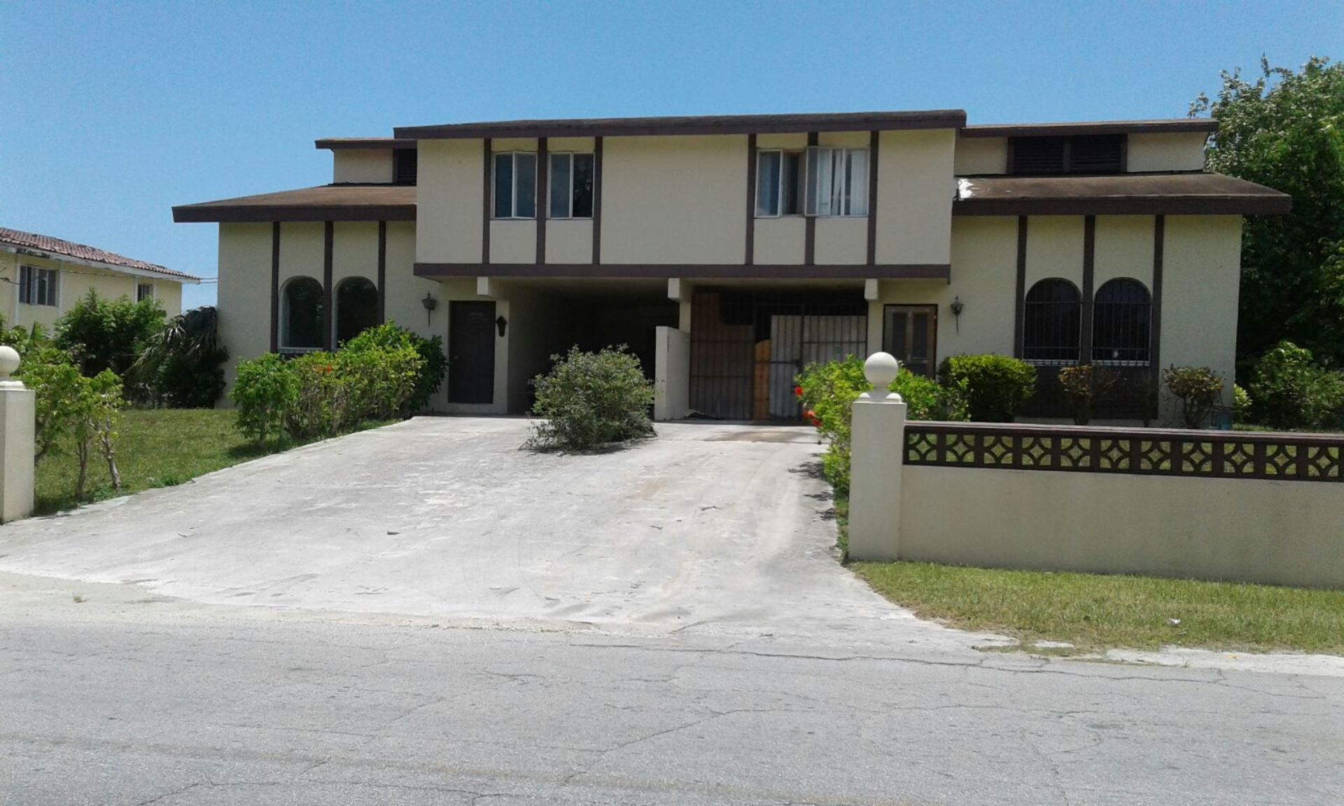Multi Family for Sale at Awesome Townhouse in Sea Horse Village - MLS 27761 Seahorse Village, Grand Bahama, Bahamas