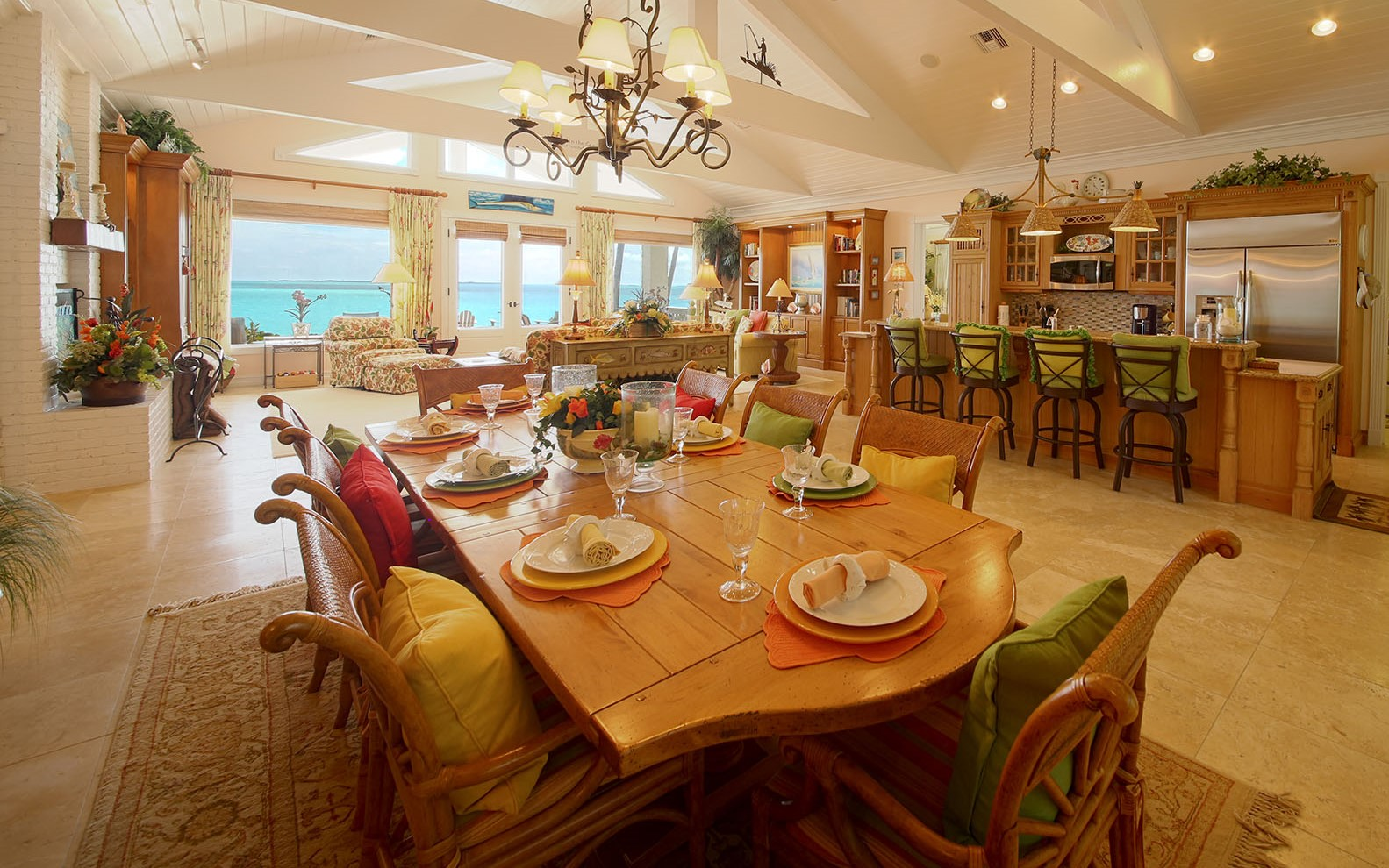 Eensgezinswoning voor Verkoop een t Luxury Beachfront Estate on Treasure Cay Beach Abaco, Bahama Eilanden