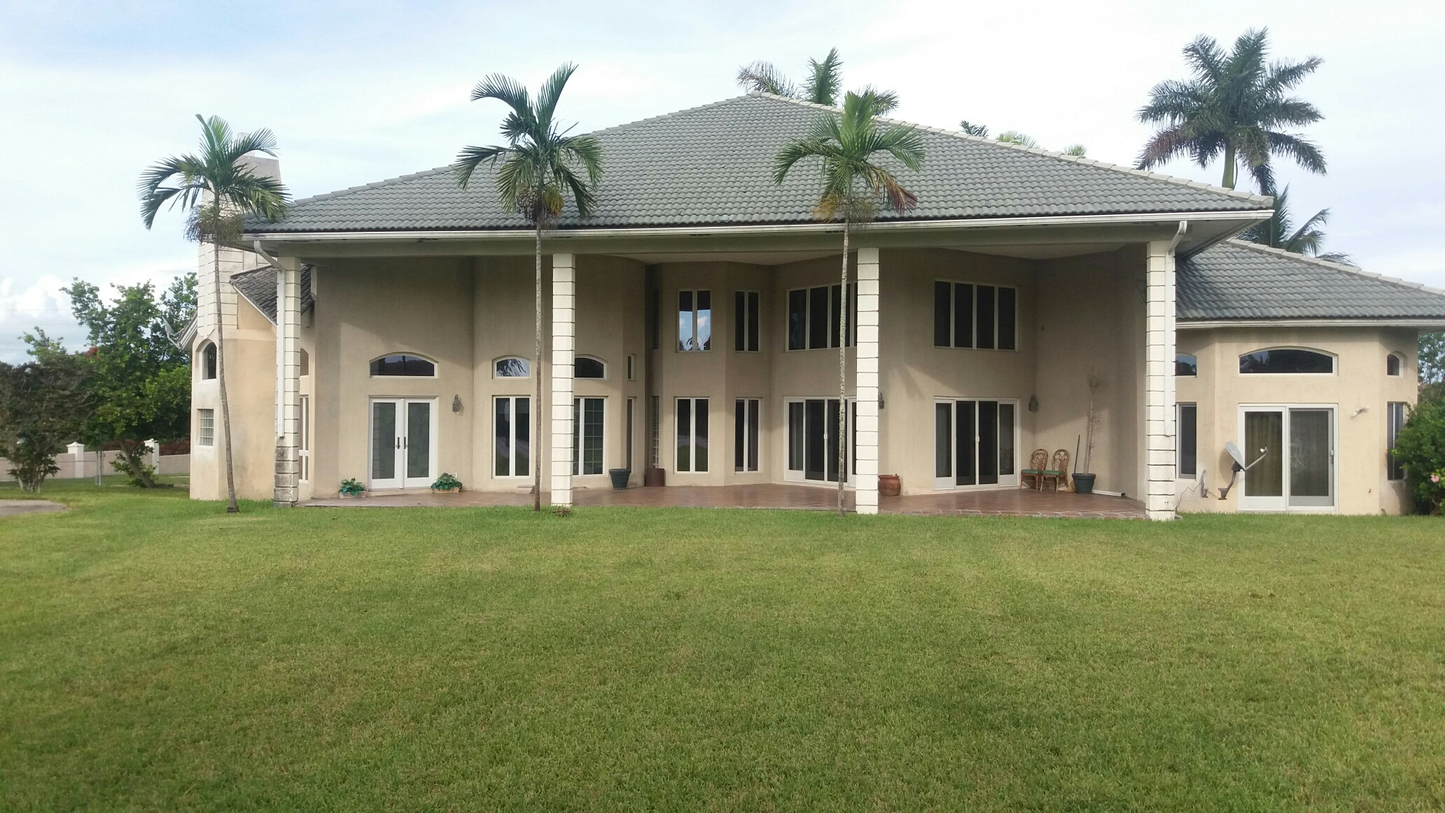 Single Family Home for Sale at Bahamia Home sitting on ACRE of Land - MLS 27974 Bahamia, Grand Bahama, Bahamas