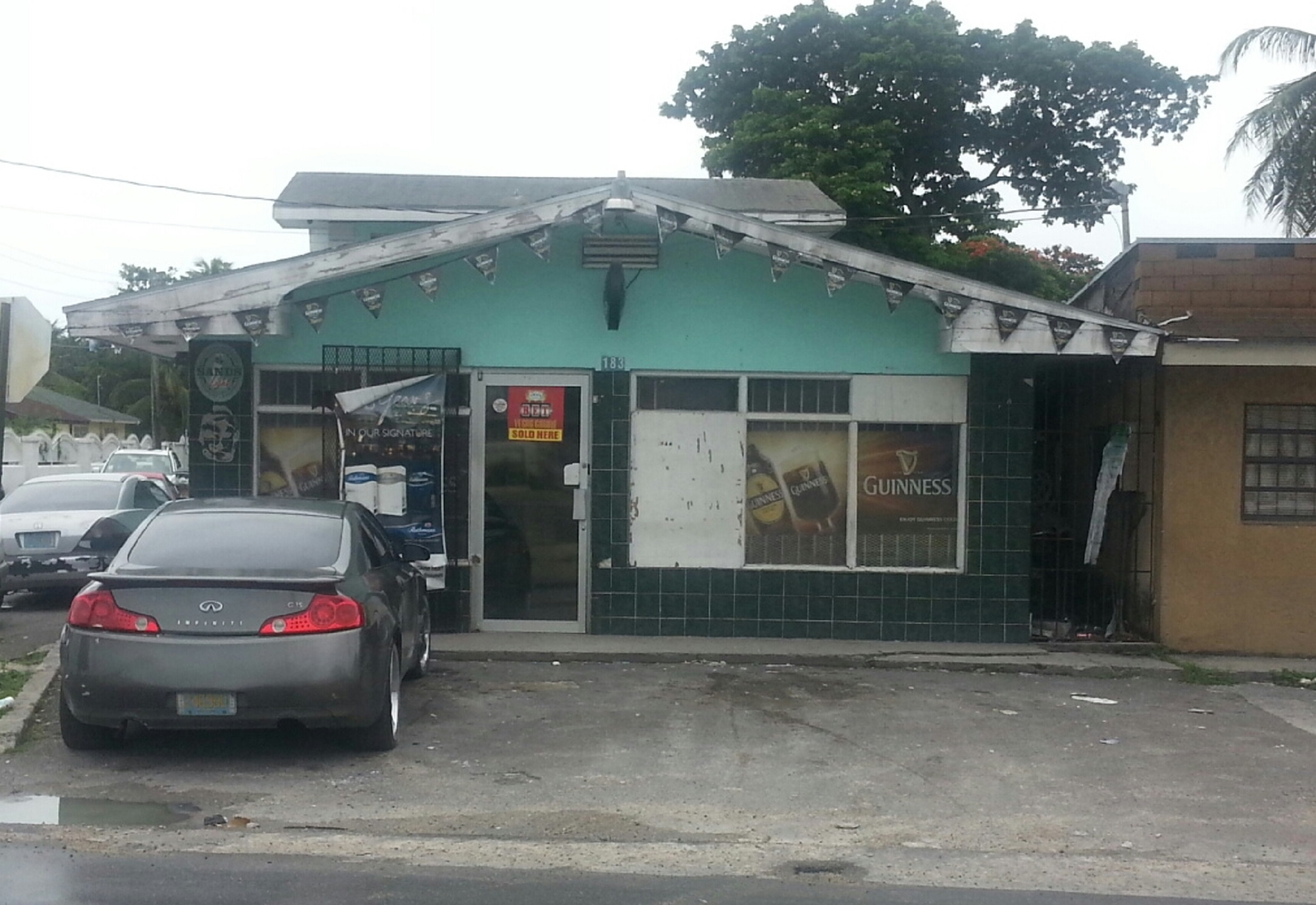 Commercial for Sale at Convenience Store / Apartment units Wulff Road - MLS 27955 Wulff Road, Nassau And Paradise Island, Bahamas