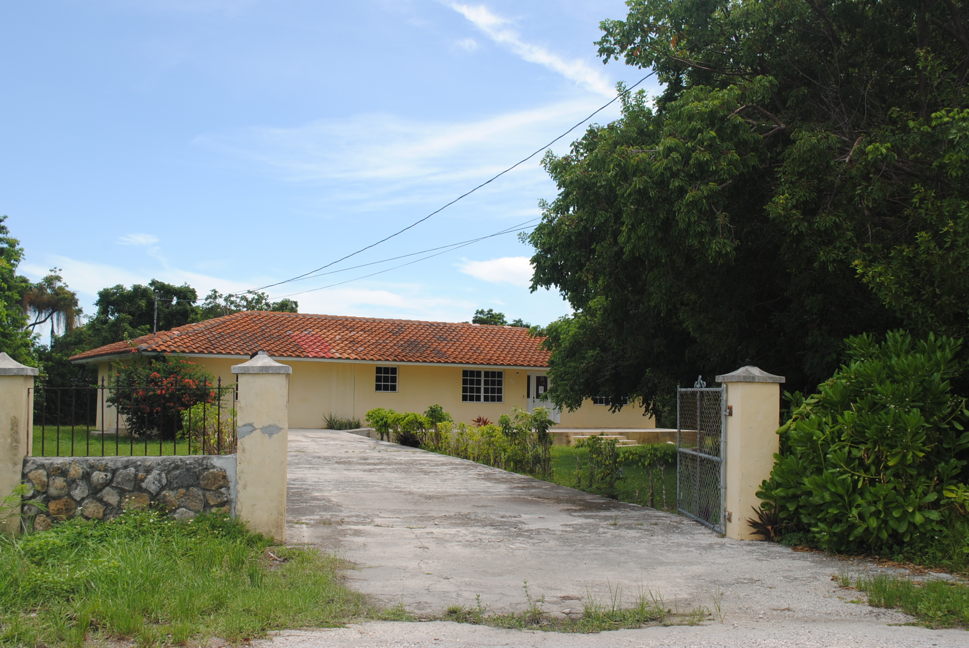 Single Family Home for Sale at Bahama Terrace House Bahama Terrace, Freeport And Grand Bahama, Bahamas