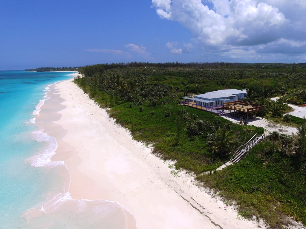 기타 용 매매 에 Beach Restaurant Hotel Property - Compass Point in Eleuthera! - MLS 27903 Eleuthera, 바하마