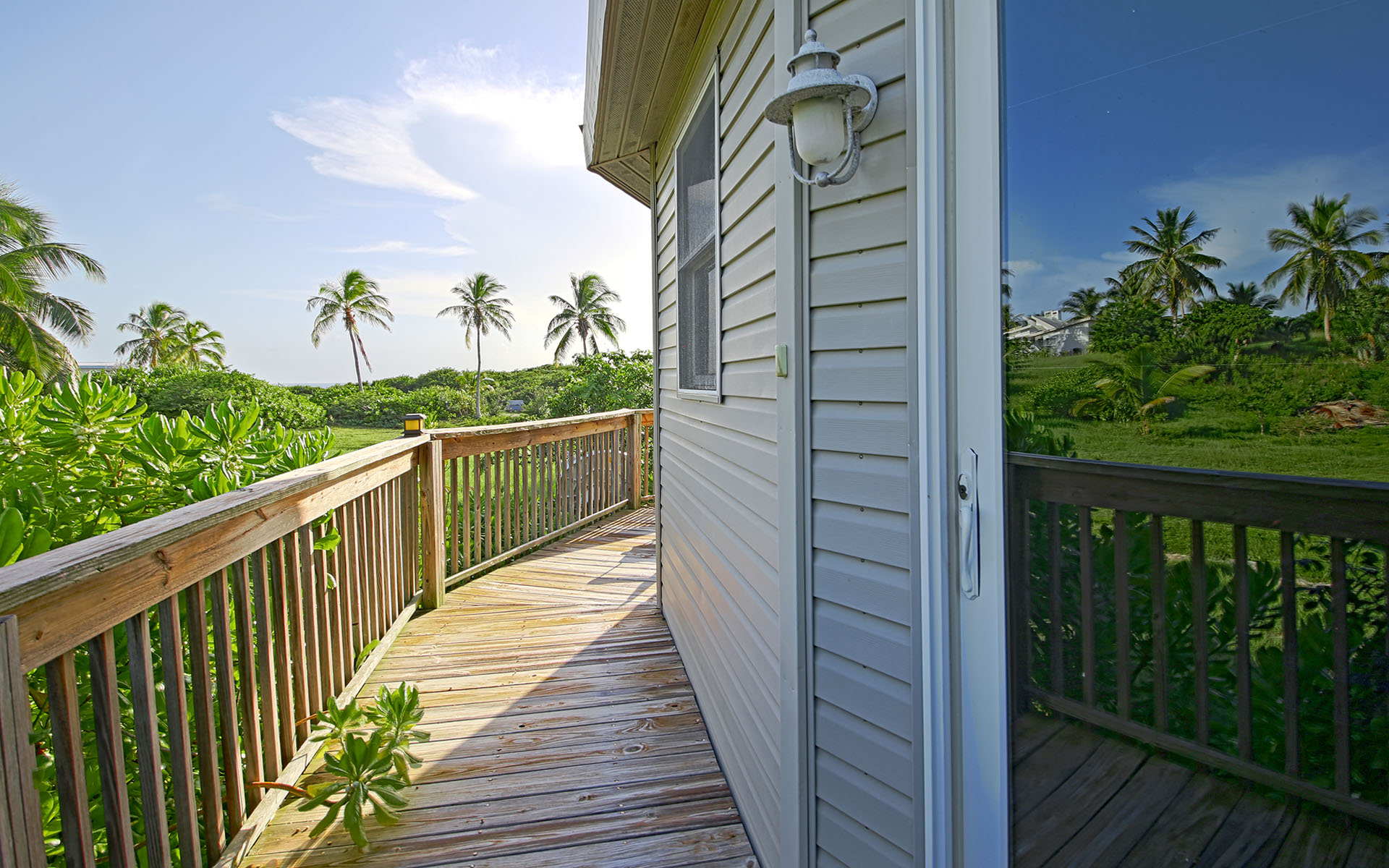 Single Family Home for Sale at Beach Cottage Getaway in Gregory Town Eleuthera MLS 28321 Eleuthera, Bahamas