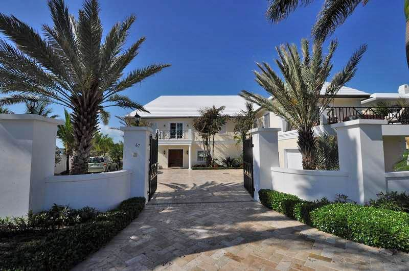 Single Family Home for Sale at Harbour Front Home, Ocean Club Estates Ocean Club Estates, Paradise Island, Nassau And Paradise Island Bahamas