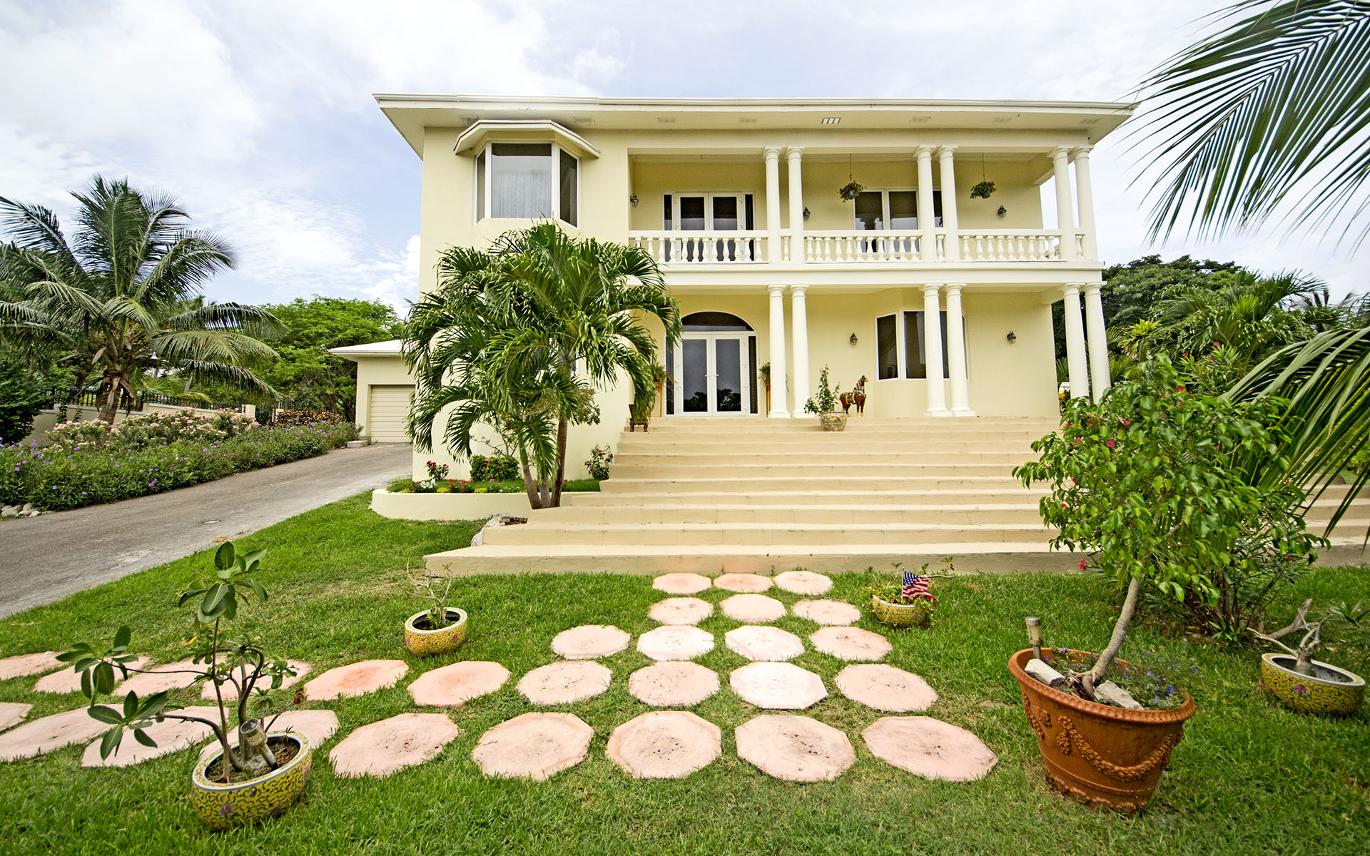 Single Family Home for Sale at Wild Tamarind Drive, Camperdown - MLS 28293 Camperdown, Nassau And Paradise Island, Bahamas
