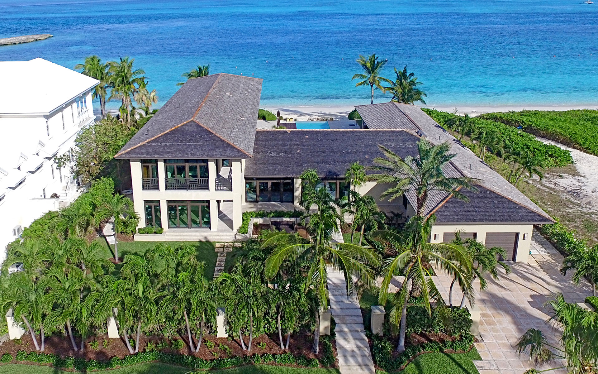 獨棟家庭住宅 為 出售 在 Villa Paradiso, Ocean Club Estates MLS 29060 Nassau New Providence And Vicinity