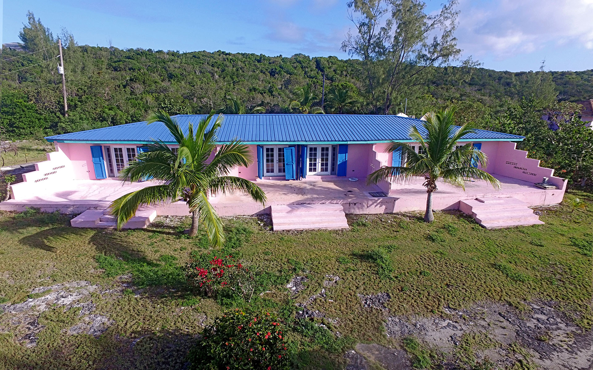 Single Family Home for Sale at Rental Investment Triplex With Deeded Beach Access in Eleuthera Bahamas. / MLS 29302 James Cistern, Eleuthera, Bahamas