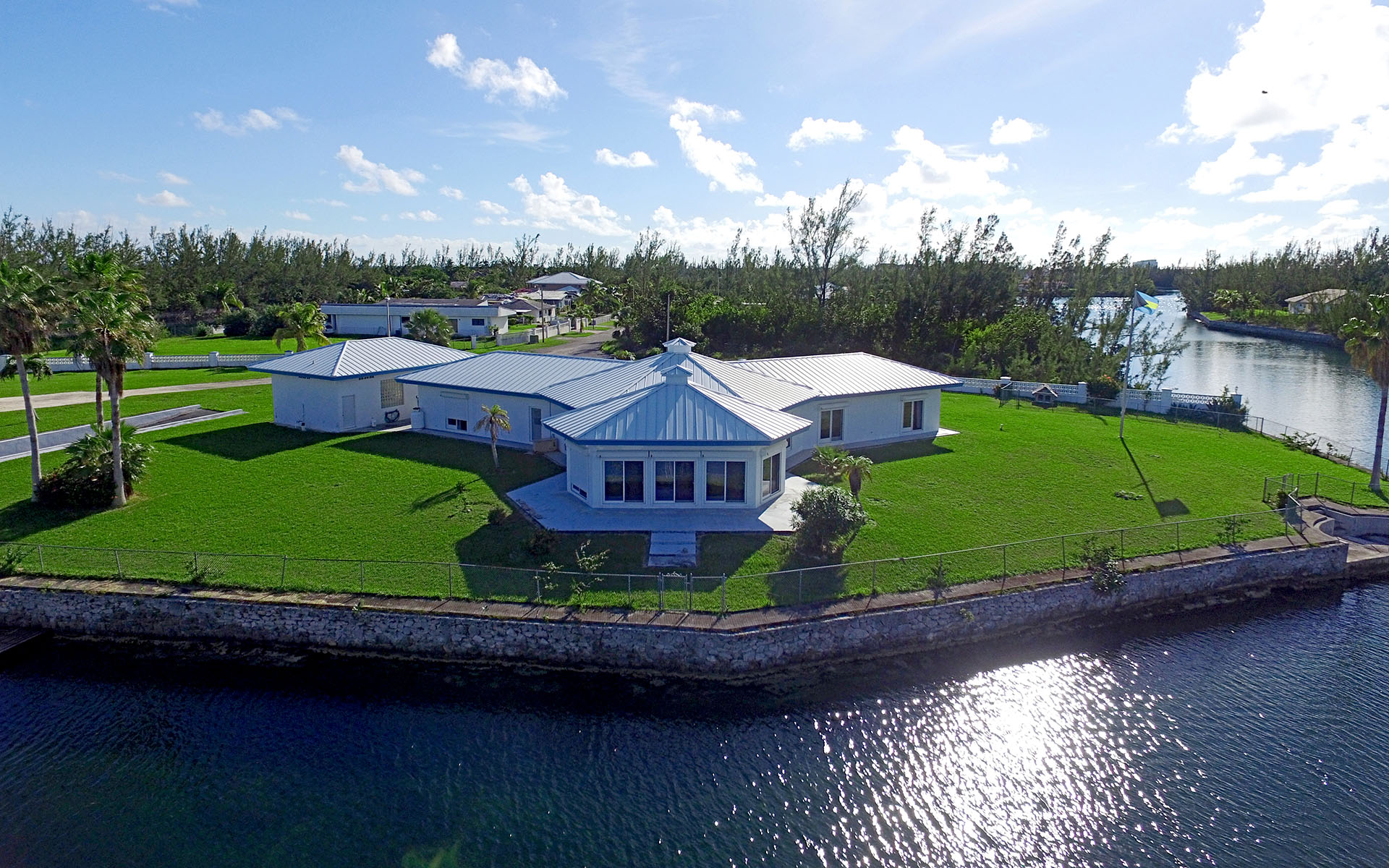 Single Family Home for Sale at JUST REDUCED-Boater's Paradise in Fortune Bay MLS 29101 Fortune Bay, Grand Bahama, Bahamas