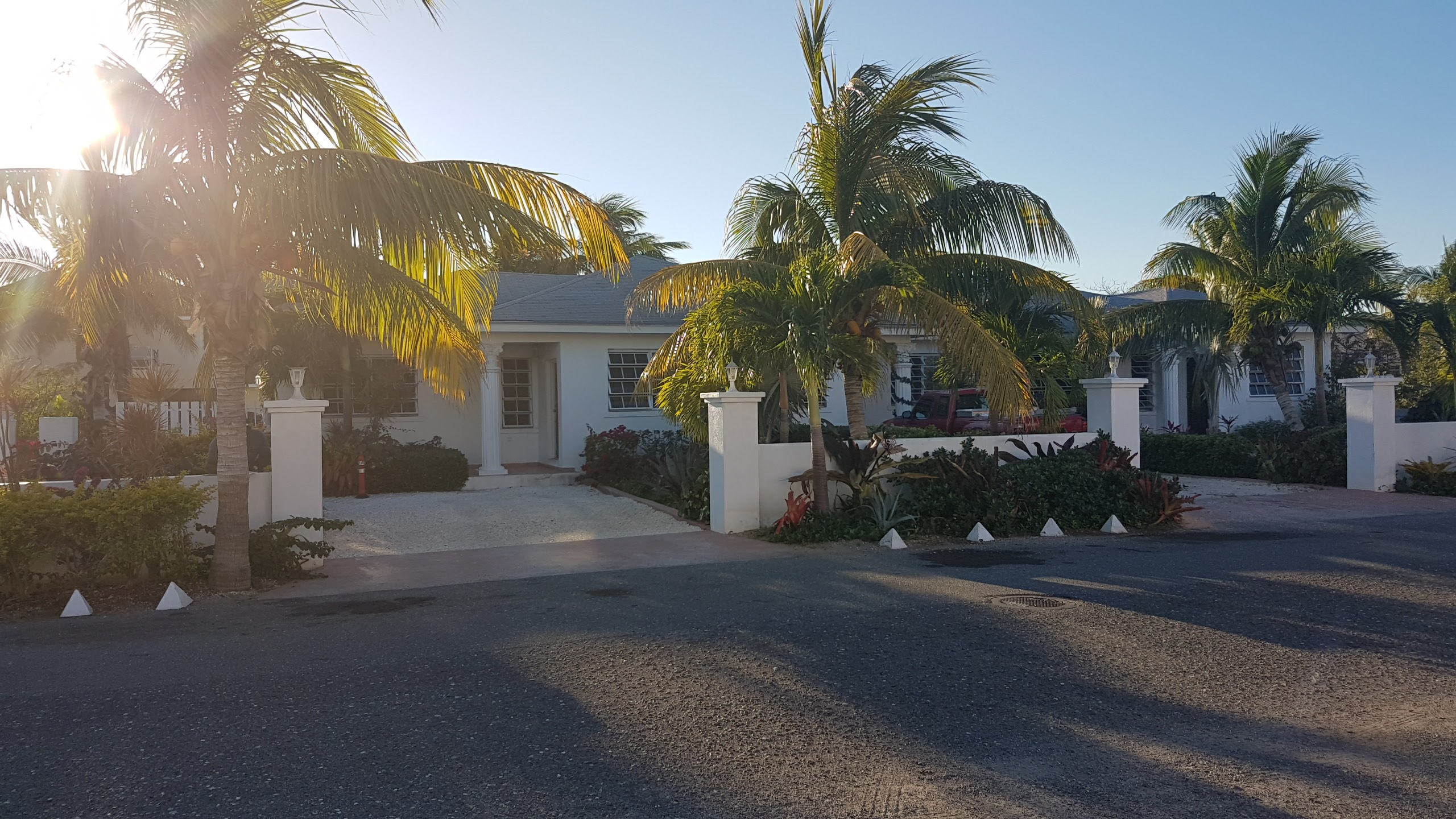 Commercial for Sale at Fourplex with cottage in Winton Meadows - MLS 29200 Nassau And Paradise Island, Bahamas