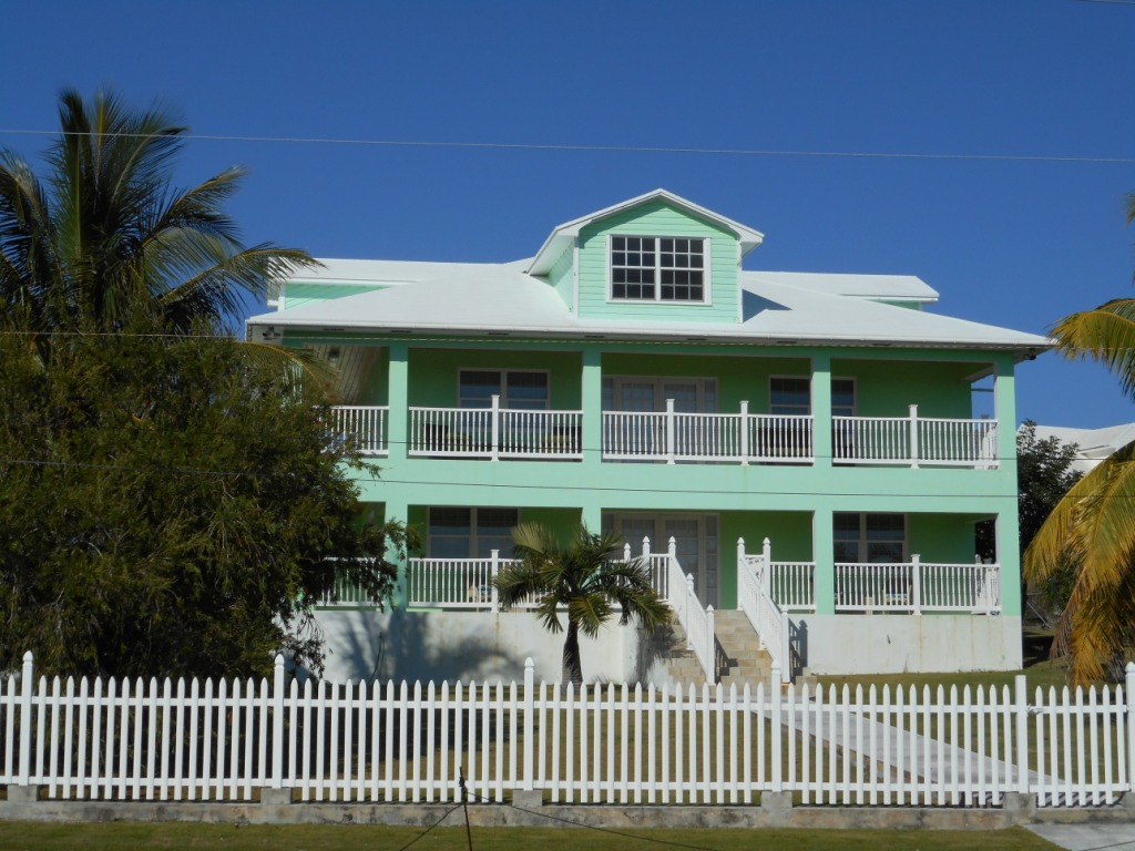 Vivienda unifamiliar por un Venta en Spanish Wells Harbour View Home Eleuthera, Bahamas