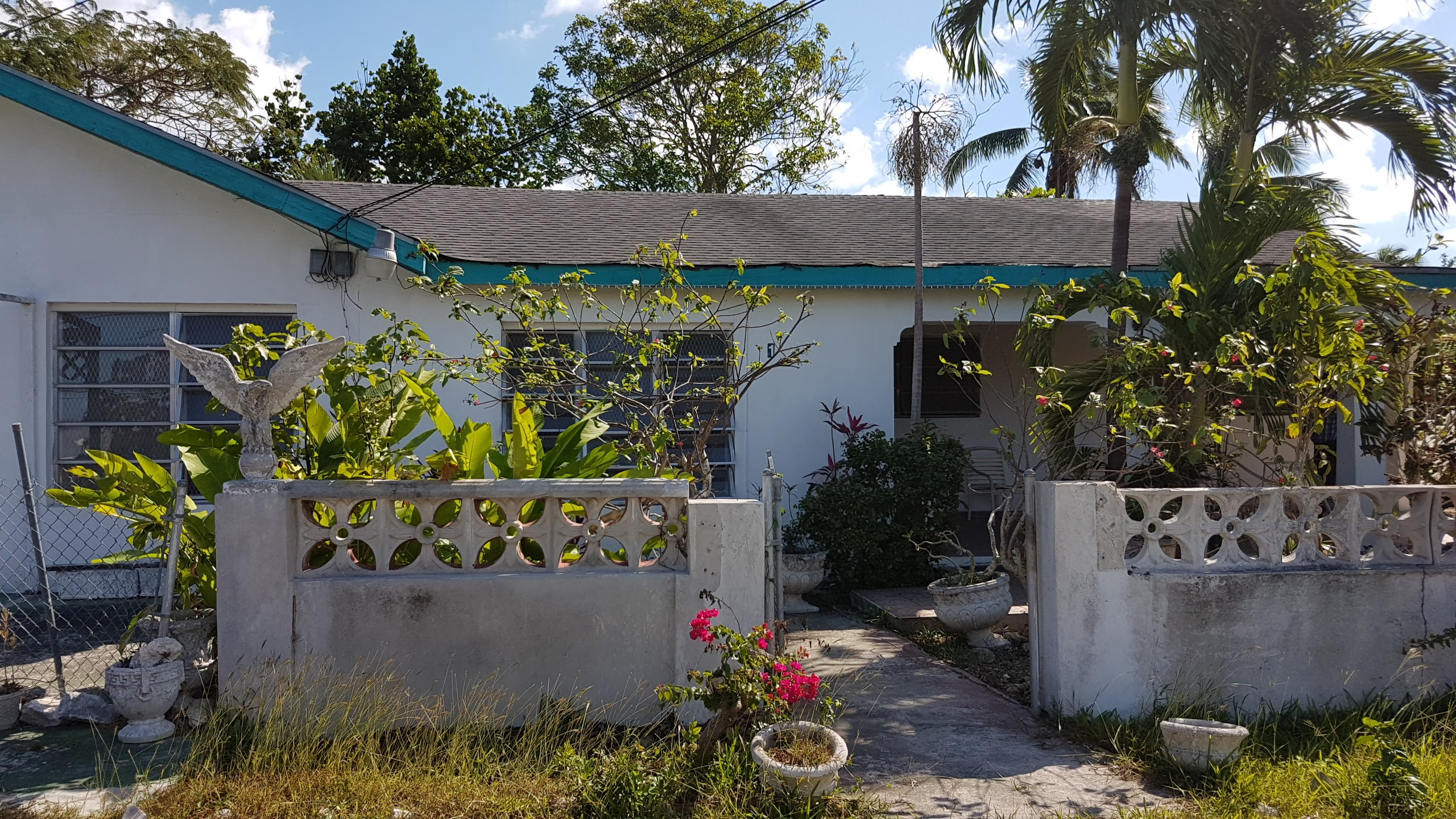 Single Family Home for Sale at Prince Charles Property with Commercial Potential - MLS 29290 Prince Charles Drive, Nassau And Paradise Island, Bahamas