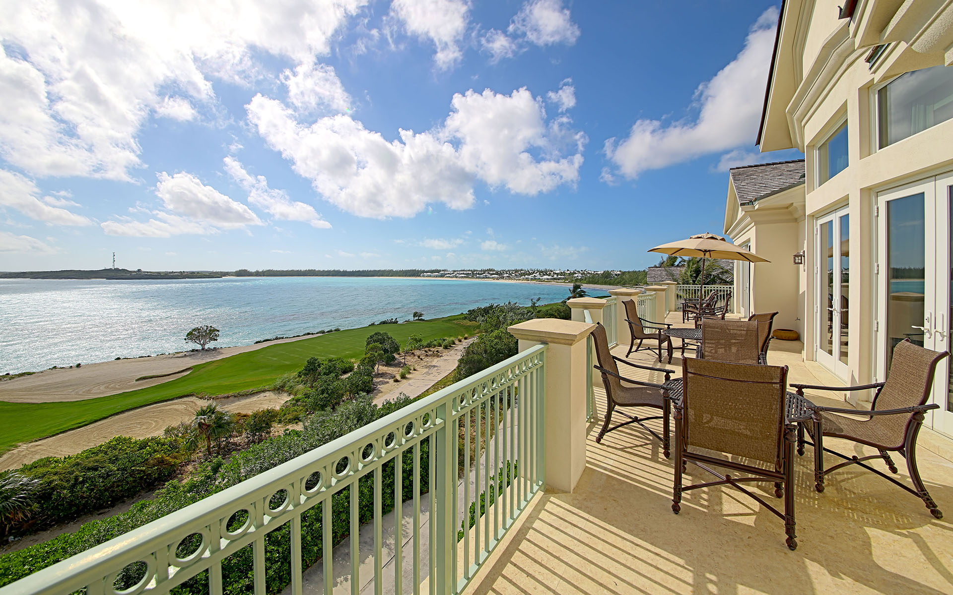 Condominio per Vendita alle ore Grand Isle Villas Resort Penthouse - MLS 29556 Exumas, Bahamas