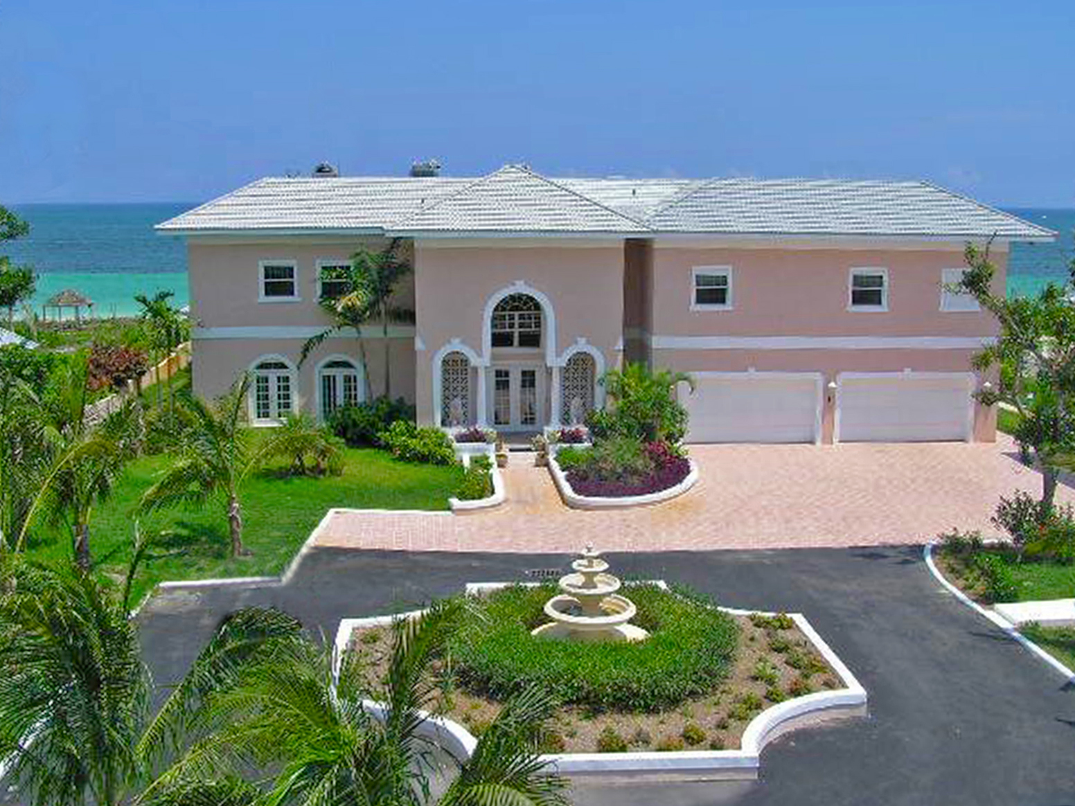 Single Family Home for Sale at Fantastic Beach Estate! Lucayan Beach, Grand Bahama, Bahamas