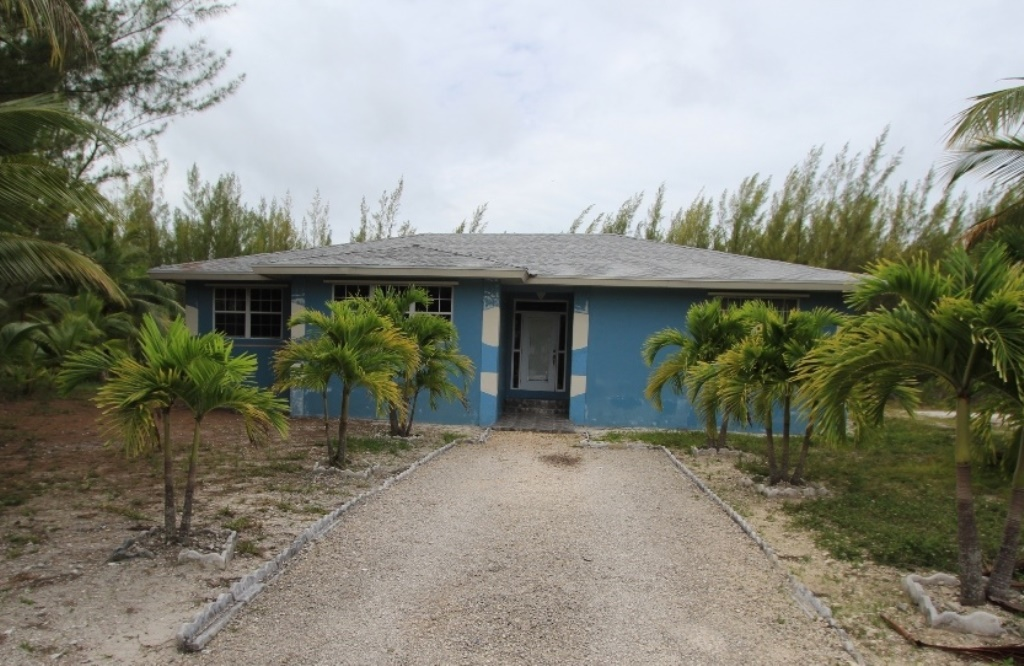 Single Family Home for Sale at Beautiful Treasure Cay Family Home Treasure Cay, Abaco, Bahamas