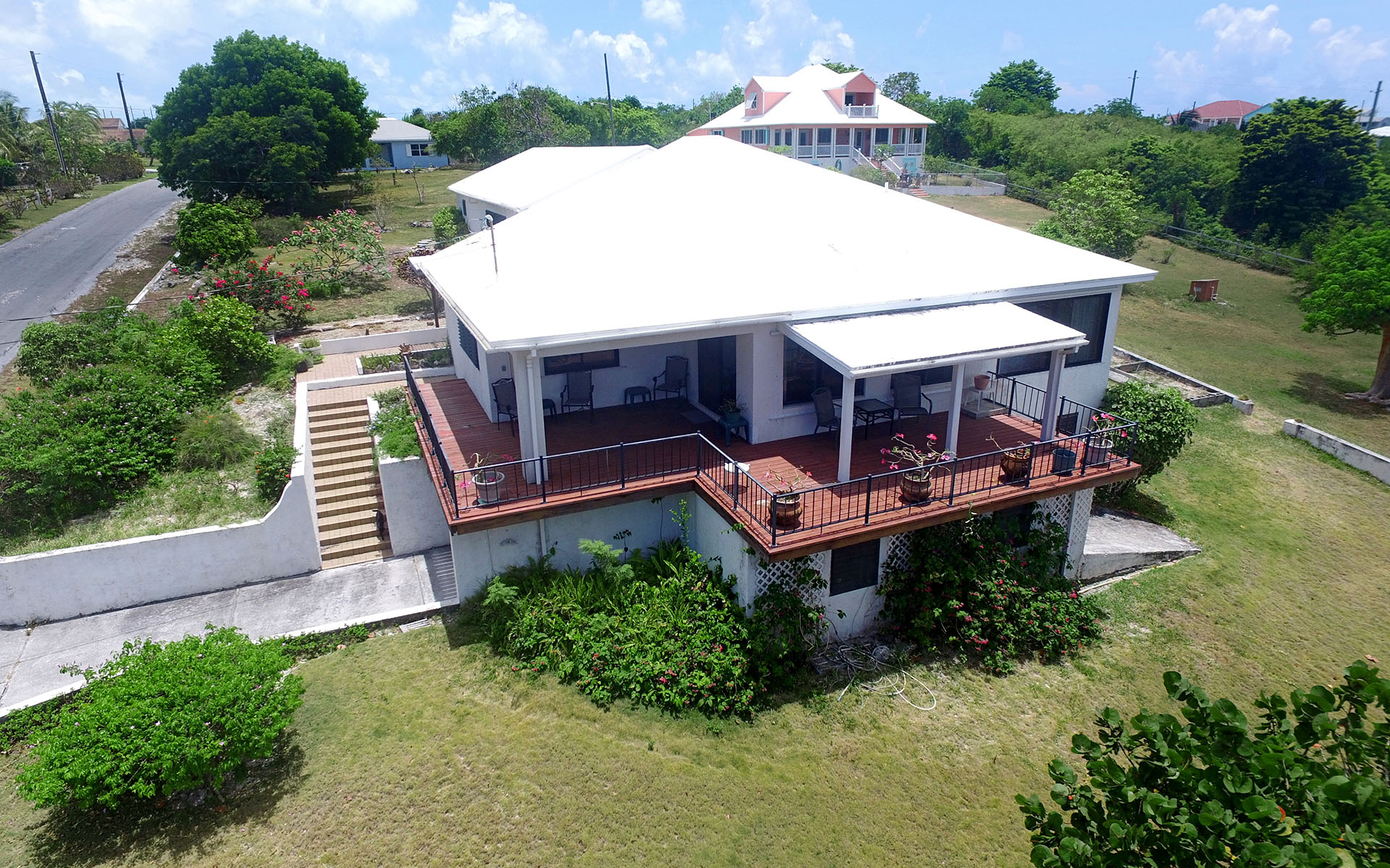 Casa Unifamiliar por un Venta en Russell Island Home With Sea View and Beach Access Russell Island, Eleuthera, Bahamas