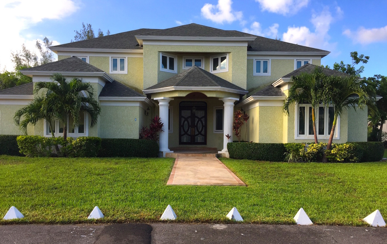 Additional photo for property listing at Beautiful Lake Cunningham House Nassau New Providence And Vicinity