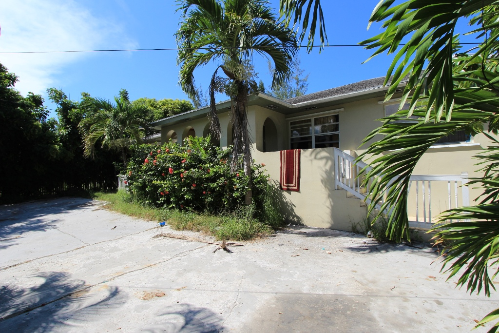 Multi Family for Sale at When location is key: Charming Duplex + Cottage, Dundas Town, Abaco Island Dundas Town, Abaco, Bahamas