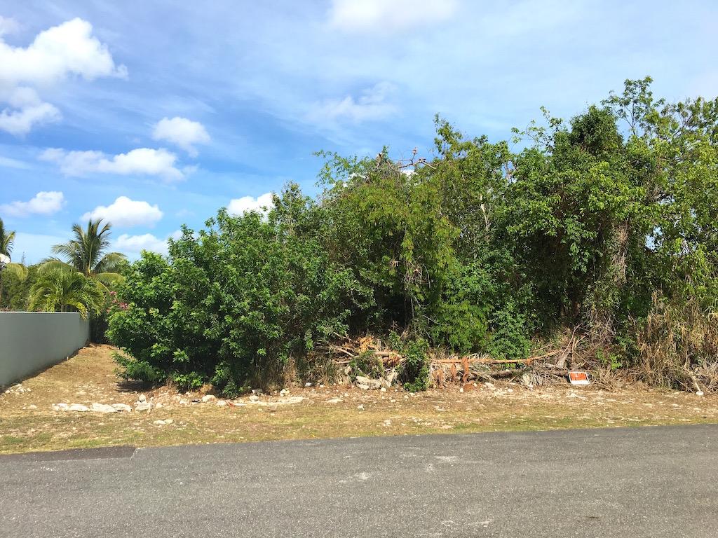 Land for Sale at Estate Lot in Beautiful Westridge Gated Community MLS: 30509 Westridge Estates, Westridge, Nassau And Paradise Island Bahamas