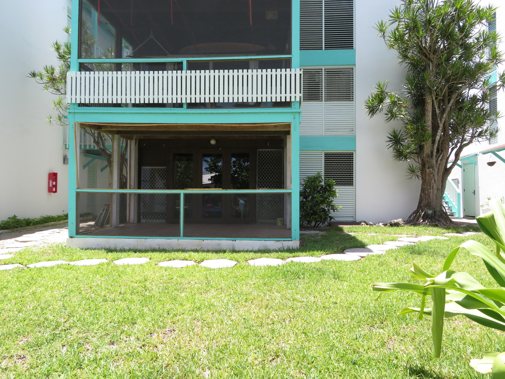Co-op / Condo for Sale at 1 bedroom apartment with access to Love Beach in Western Nassau MLS:30681 Love Beach, Nassau And Paradise Island, Bahamas