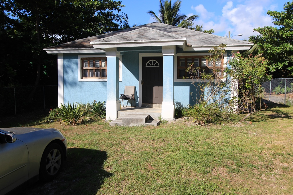 Single Family Home for Sale at Charming Family Home, Murphy Town, Abaco Island Murphy Town, Abaco, Bahamas