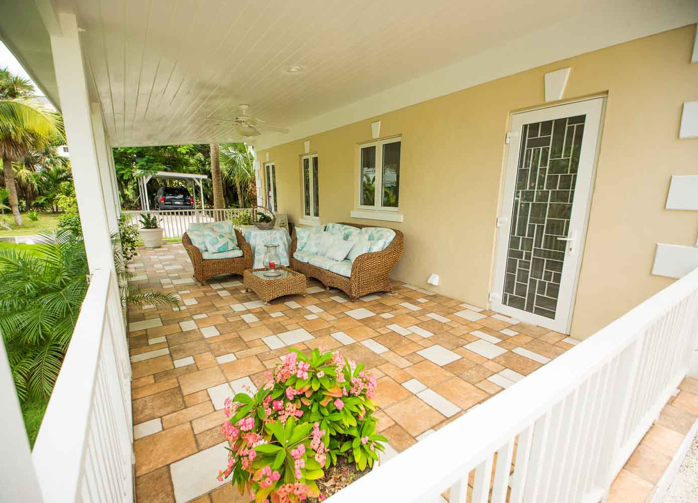 Single Family Home for Sale at Mint Condition Home in Cable Beach - MLS 31114 Cable Beach, Nassau And Paradise Island, Bahamas