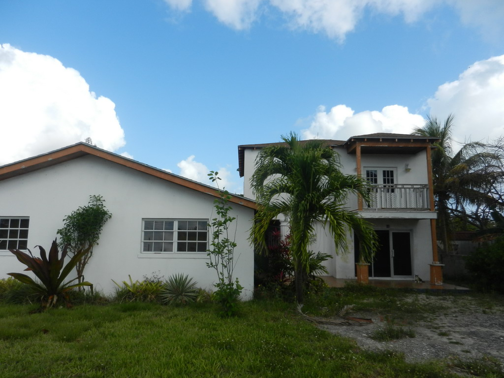 Single Family Home for Sale at Split level home on Large Lot in Stapledon Gardens - MLS 31139 Nassau And Paradise Island, Bahamas