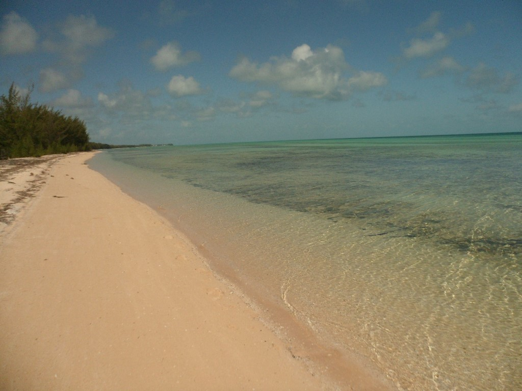 Land for Sale at Pristine Beachfront Lot in Tarpum Bay, Eleuthera - MLS 31352 Tarpum Bay, Eleuthera, Bahamas