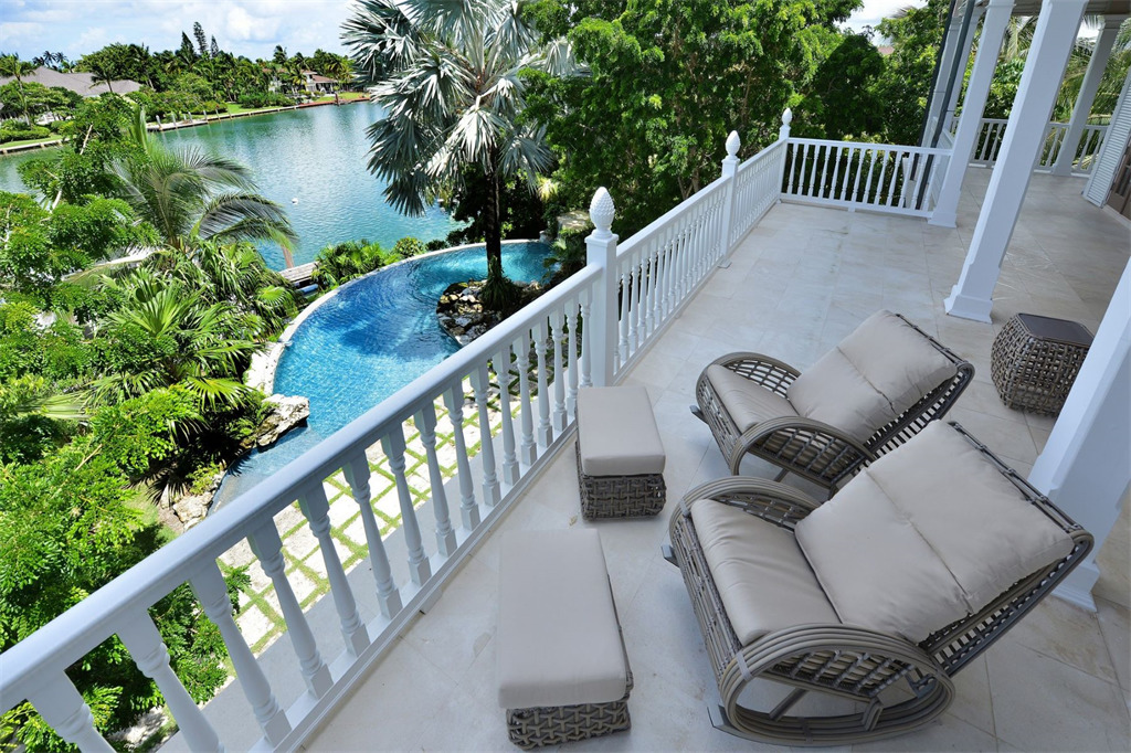 Single Family Home for Sale at Deja Vu, Lyford Cay Lyford Cay, Nassau And Paradise Island, Bahamas