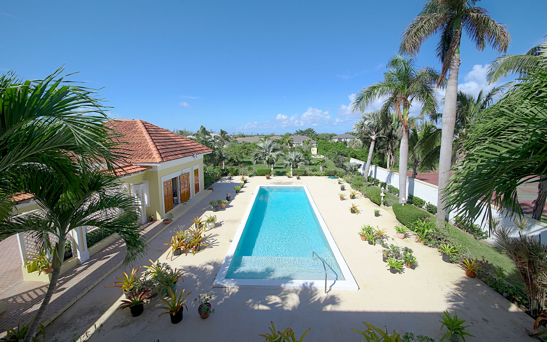 Single Family Home for Sale at Eastern Estate Home - MLS 31696 Nassau And Paradise Island, Bahamas