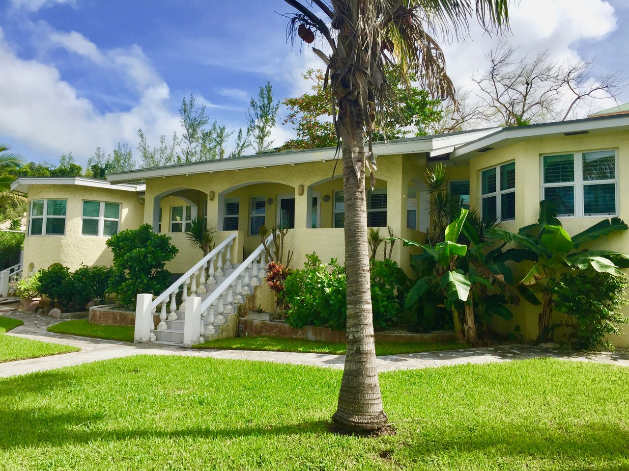 Single Family Home for Sale at Across From The Sea Nassau And Paradise Island, Bahamas