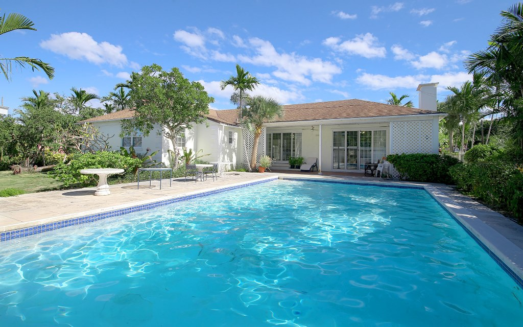 Single Family Home for Sale at Beautiful Home in West Grove - MLS 32001 The Grove, Nassau And Paradise Island, Bahamas
