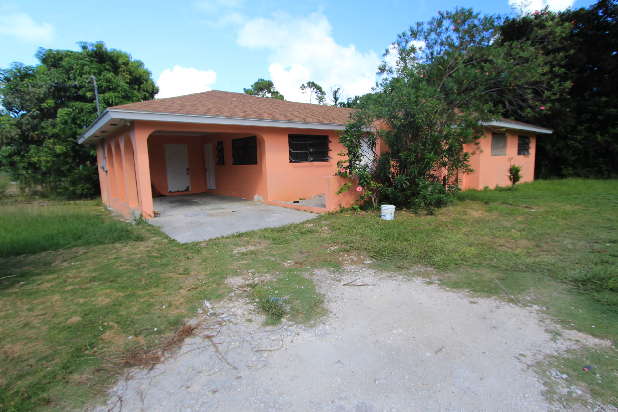 Single Family Home for Sale at Fixer-Upper Home in Murphy Town - MLS 32109 Murphy Town, Abaco, Bahamas